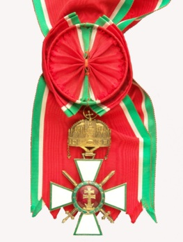 Hungarian Order of Merit, Grand Cross, Military Division (with Holy Crown) Obverse