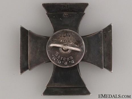 Model III, I Class Cross, by M. Hansen D.R.G.M (screwback)