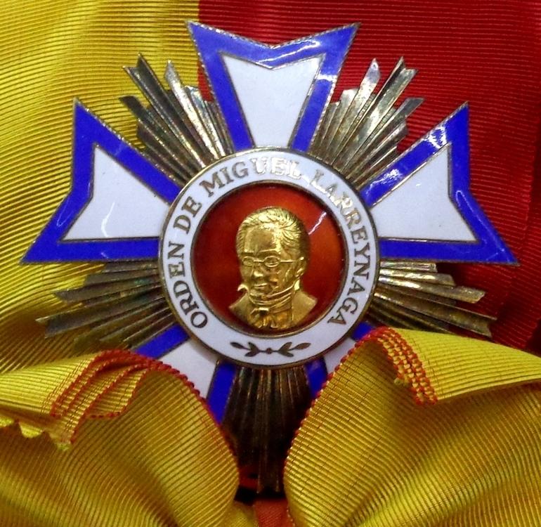 Order of miguel larreynaga grand cross star %28nicaragua%29   tallinn museum of orders