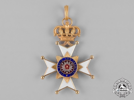 Princely House Order of Schaumburg-Lippe, I Class Cross (in gold)