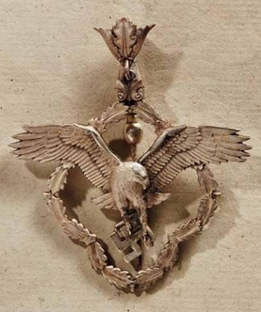 German Academy for Aeronautical Research Decoration, Badge in Silver (1st pattern) Obverse