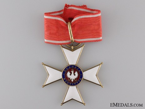 Order of Polonia Restituta, Commander with Star (1921-1939) Obverse