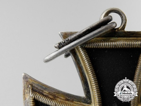 Knight's Cross of the Iron Cross, by C. E. Juncker (lazy 2) Detail