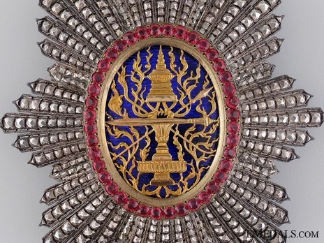 Royal Order of Cambodia, Grand Cross Breast Star Obverse Detail