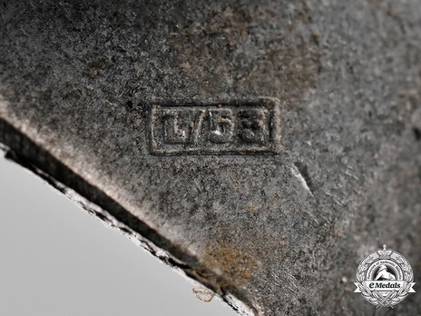 Infantry Assault Badge, by Hymmen (in silver) Detail