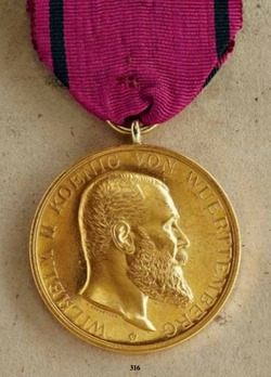 "Medal for the Arts and Sciences, Type IV, in Small Gold (in gold, stamped ""K.SCHWENZER"")"