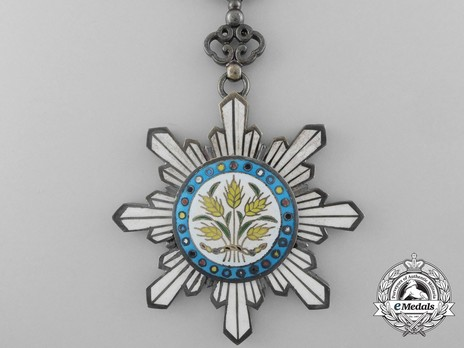 Order of the Golden Grain, IV Class Officer Obverse