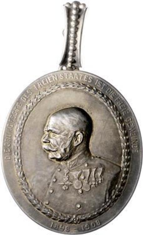 Lowaus+mayor+medal+ob+d23.5.2018