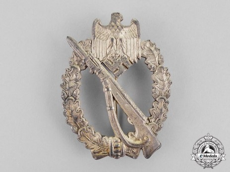 Infantry Assault Badge, by Unknown Maker: M.K. (in silver) Obverse
