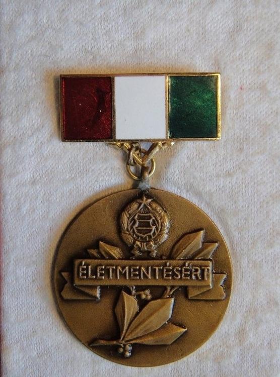 Live+saving+medal+hungary