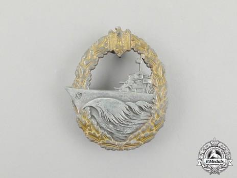 Destroyer War Badge, by Sohni, Heubach & Co. Obverse