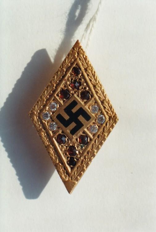 Golden+hj+honour+badge%2c+with+diamonds