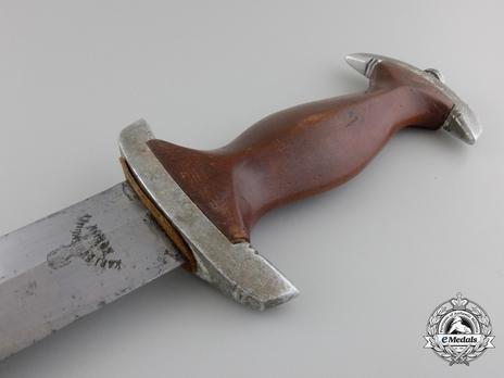 NPEA Leader Dagger with Chain Hanger Reverse Grip