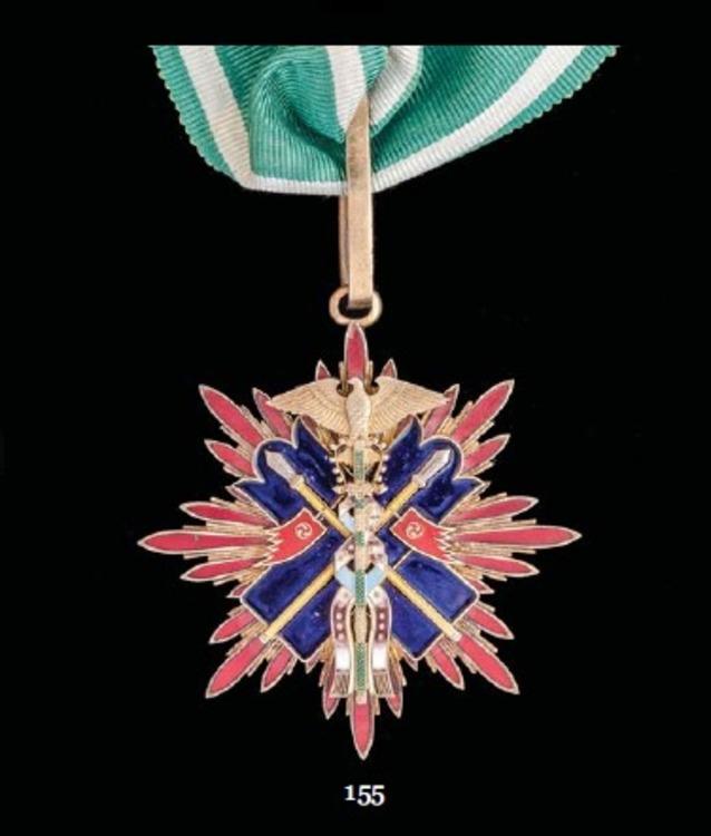Japan+golden+kite+iiic+badge+me74