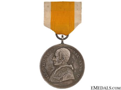Bene Merenti Medal, Type IV, Large Silver Medal Obverse