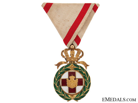 Order of the Red Cross, Type I, Medal Obverse