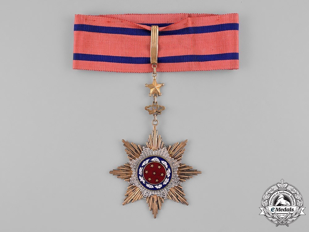 Order+of+united+glory%2c+iii+class+sash+badge+1