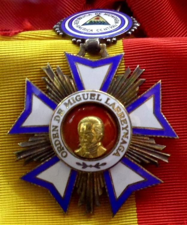 Order of miguel larreynaga grand cross badge %28nicaragua%29   tallinn museum of orders