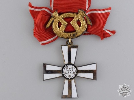 Order of the Cross of Liberty, Military Division, II Class Commander (1941) Obverse