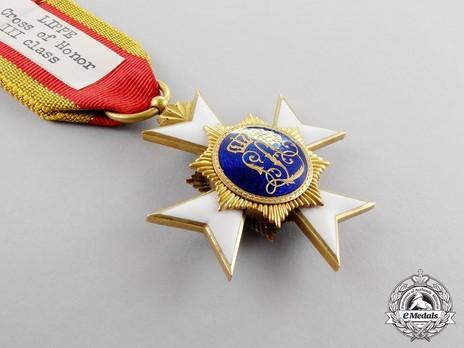 III Class Cross (in gold) Reverse