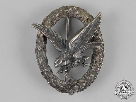 Radio Operator & Air Gunner Badge, by C. E. Juncker (in nickel silver) Obverse