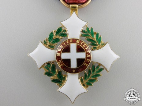Military Order of Savoy, Type II, Knight (in gold) Obverse